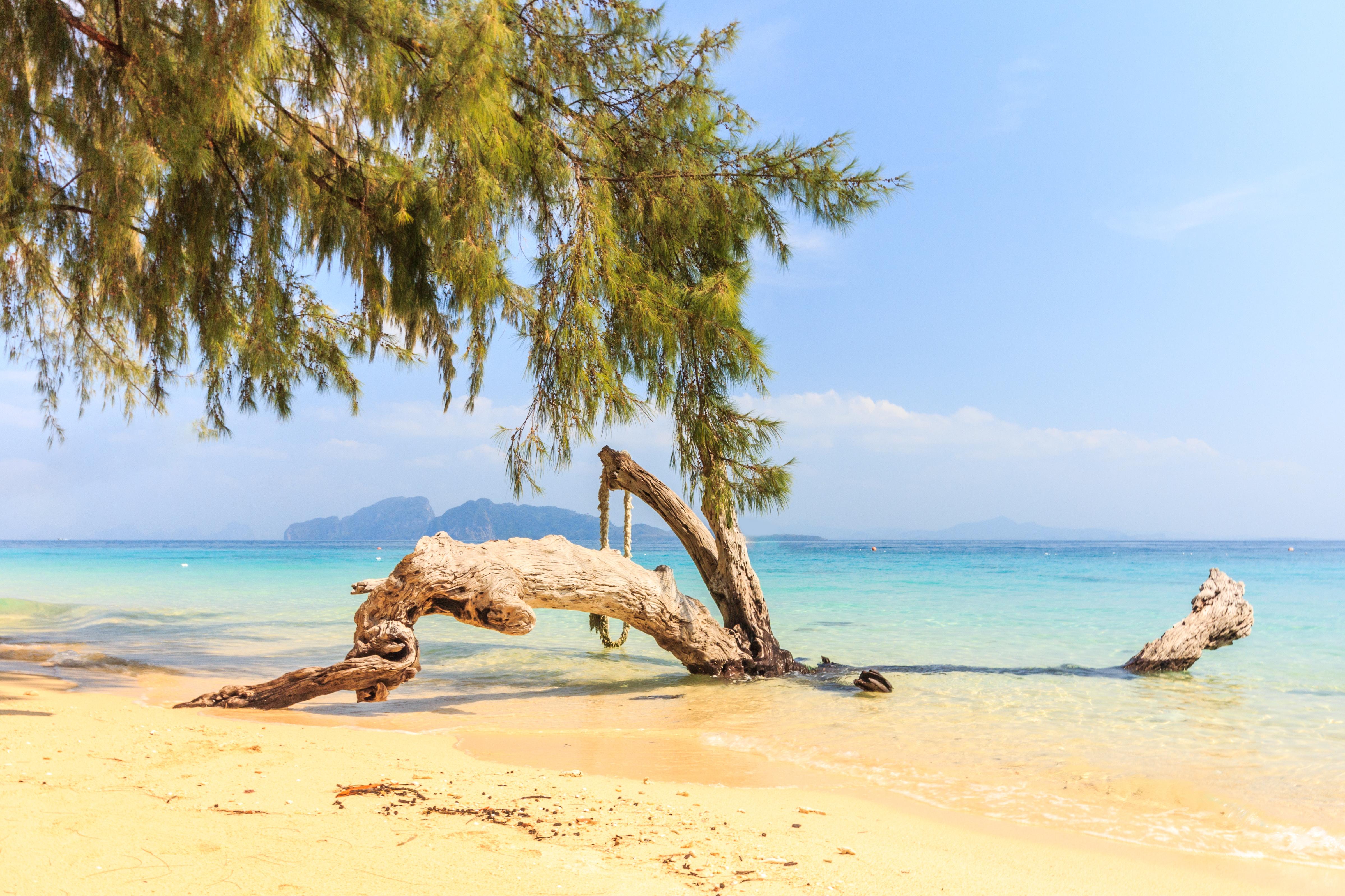Koh Kradan soft sand beach