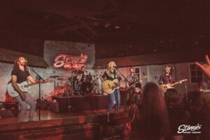 Stephanie Quayle live at Stoney's Rockin' Country