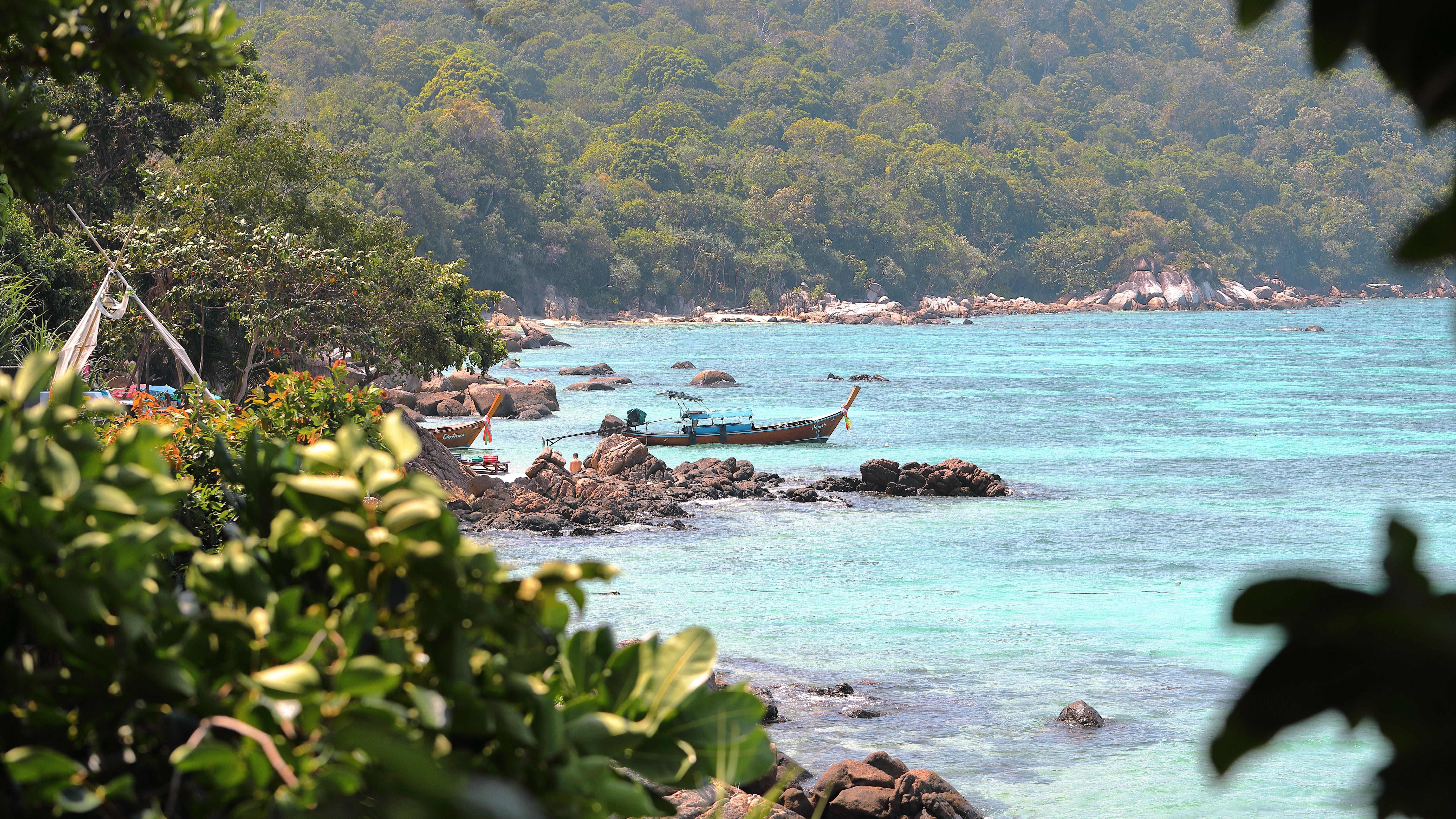 Koh Lipe turquoise water in Thailand
