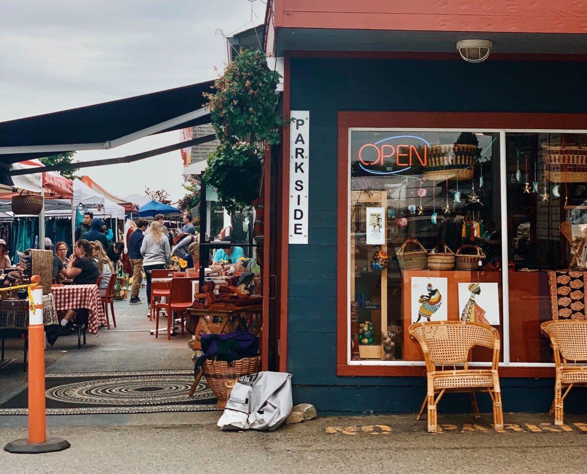 Flea Market in the neighbourhood