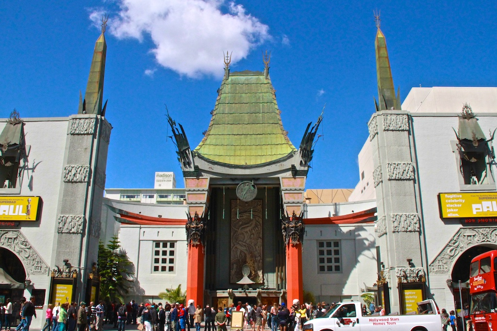 Tourist queuing to enter the Grauman's Chinese Theater, Hollywood, Los Angeles