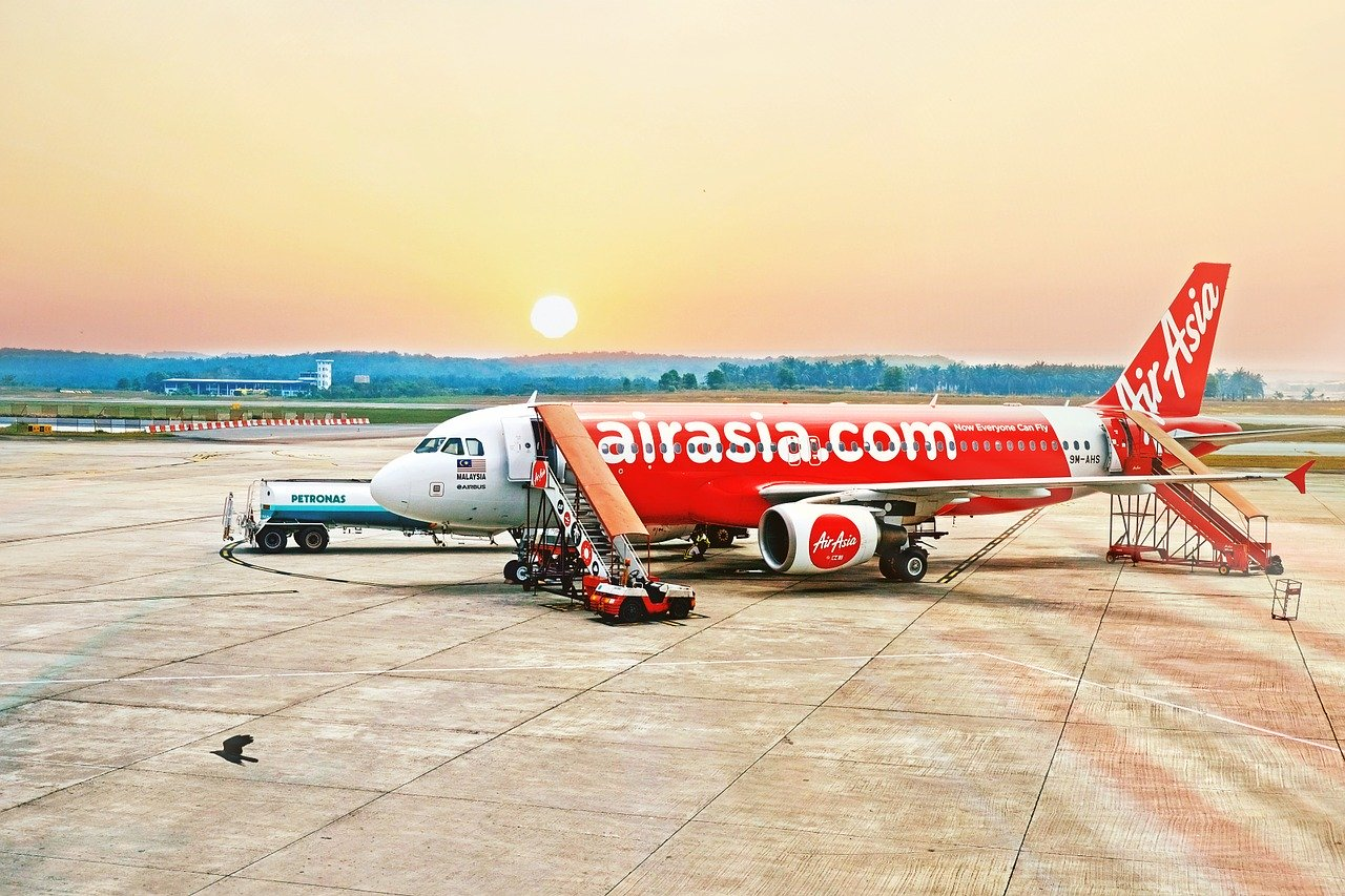 Airasia landing at the Malaysia Airport.